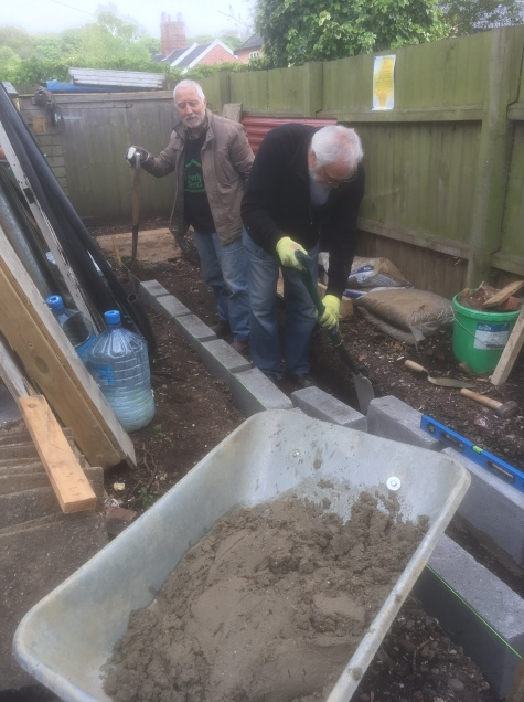 Les and John working on the trench