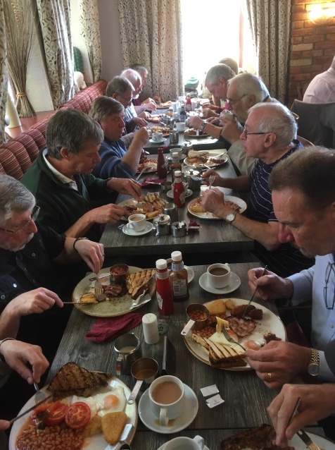 PDMShedders enjoy breakfast.
